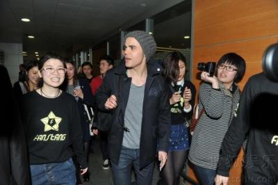 Пол в аэропорту Шанхай Пудун [11 марта]
