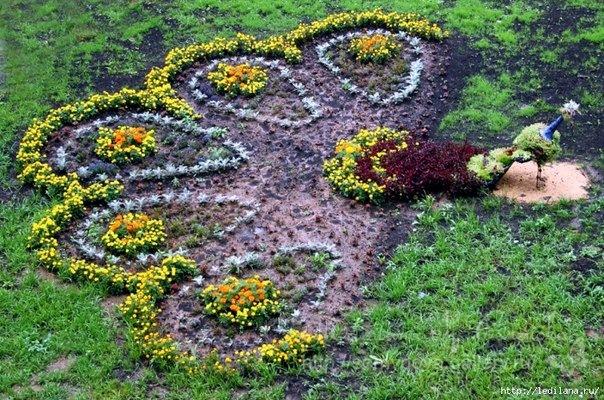 паун от цветя