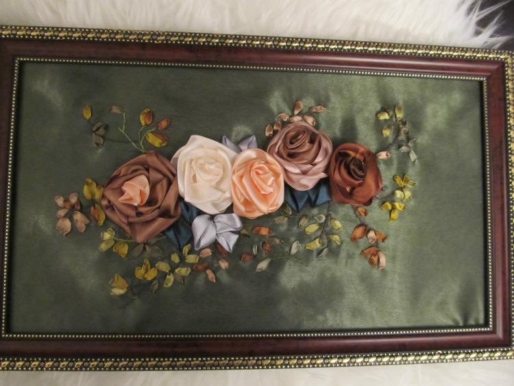 копринени рози - бродерия